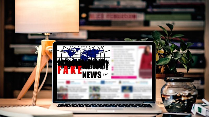 Foto Fake News pixel2012_pixabay